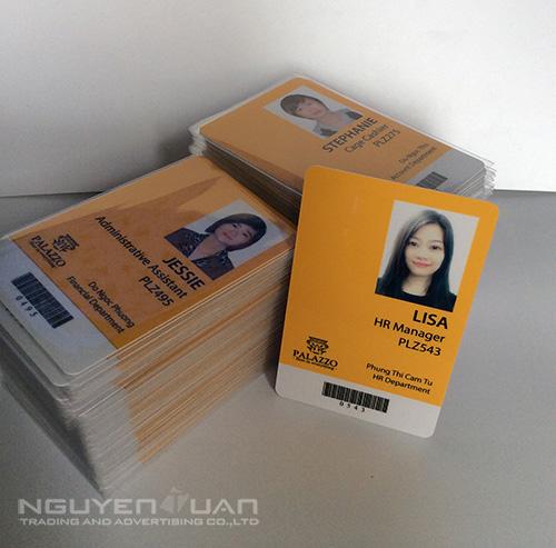 in thẻ chấm công nhân viên