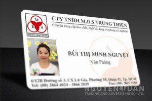 in thẻ nhựa nhân viên giá rẻ tphcm