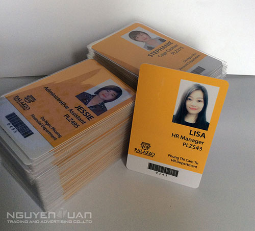 in thẻ nhựa nhân viên giá rẻ hcm