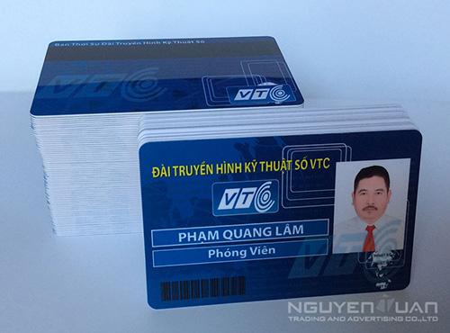 In thẻ nhân viên cao cấp ở TPHCM