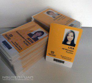 In thẻ nhựa nhân viên chất lượng cao, bền đẹp TPHCM